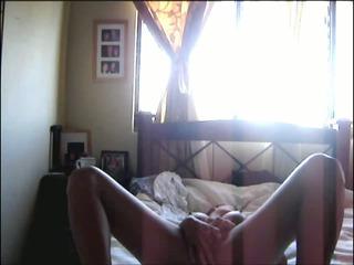 latin babe orgasm