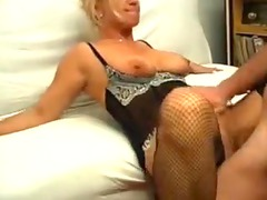naughty housewife takes a uneasy drill