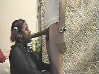 ebony bbw gives a fellatio on video