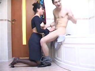 ruusmature into shower