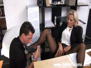 tough american mif with a adorable clit makes her