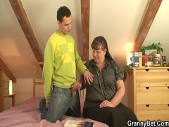 chunky bookworm slut takes pounded by
