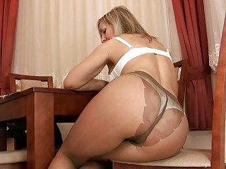 beautiful bleached older  into nylons going naked