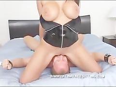 latina naked domina facesitting