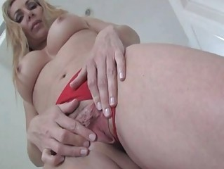Lisa DeMarco demonstrate her wet shaved pussy