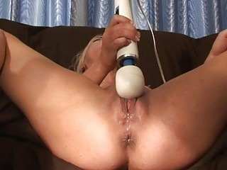 genuine squeezing climax and feminine ejaculation