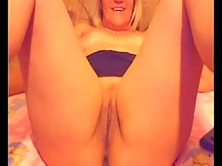 inexperienced older  49yr granny blonde on web cam
